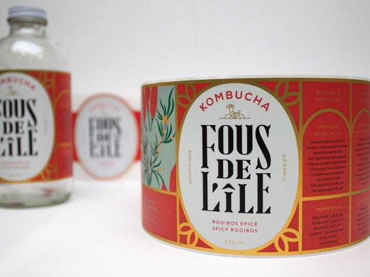 Étiquette Kombucha Fous de L'île dans le marché alimentaire