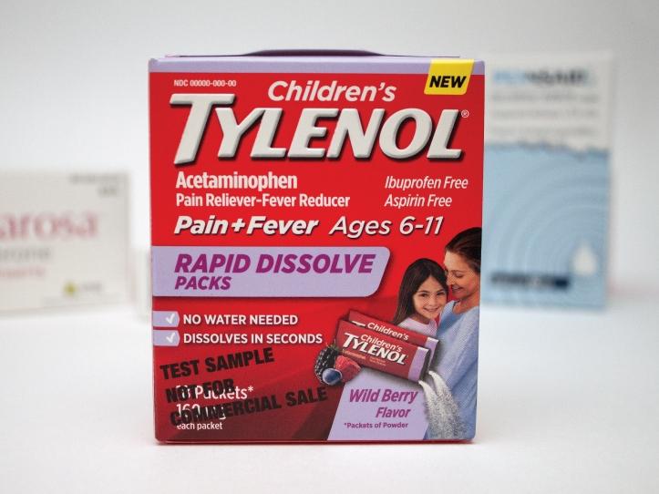 Montage de boîte pharmaceutique de la compagnie Tylenol